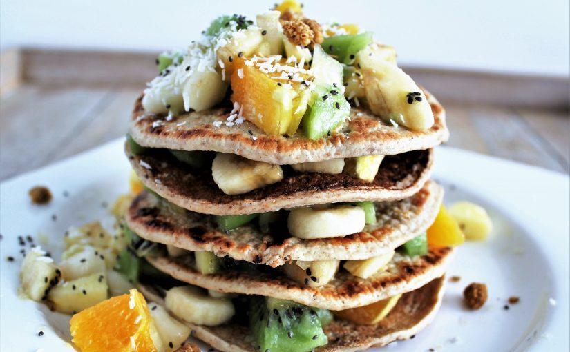 Pannenkoekentoren met vers fruit