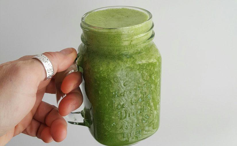 Groene erwten en spinazie smoothie