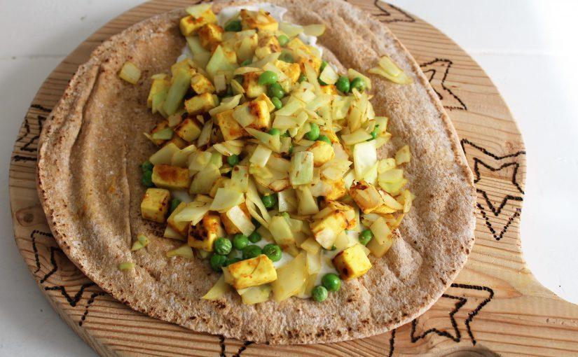 Wraps met goud gele tofu en witte kool