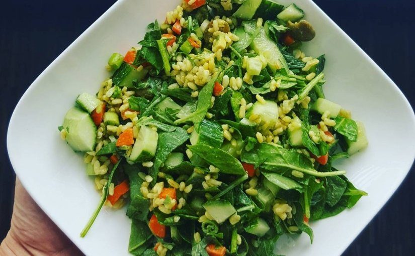 Spinazie Salade met Kurkuma Rijst
